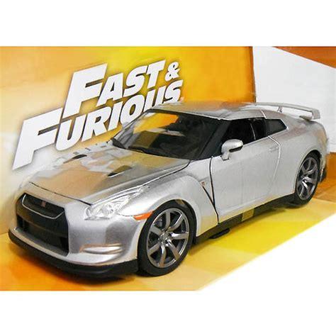 Fast Furious Brians Nissan Gt R R35 Silver 楽天市場 fast and furious brian s nissan gt r r35 silver 1 24