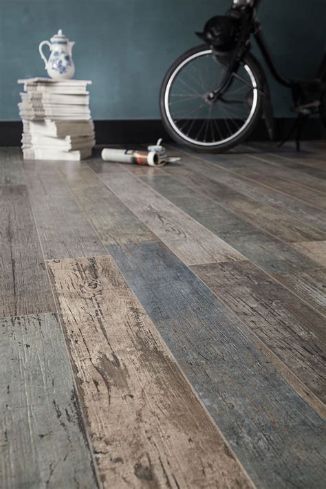 Reclaimed Wood Tile Flooring by Wood Look Tile 17 Distressed Rustic Modern Ideas