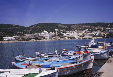 boat crash greece four dead in horror speedboat crash off greek island of