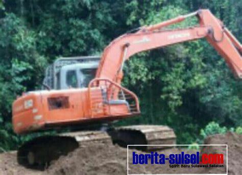 Alat Berat 2018 akibat longsor pt masmindo dwi area turunkan alat berat berita sulsel