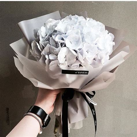 Graduation Flowers by The 25 Best Graduation Bouquet Ideas On