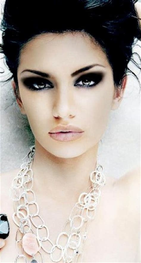 Smokey Sultry by Clubbing Makeup Looks To Try Out Aelida