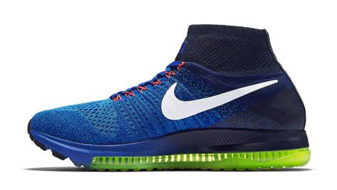 Nike Structure Black Electric Crimson