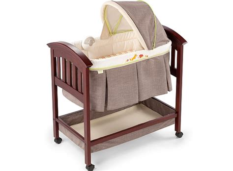summer infant classic comfort wood bassinet reviews onesmileymonkey com lifestyle reviews giveaways