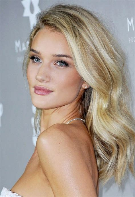 hollywood actresses medium lenght hairstyles 17 best ideas about blonde celebrity hair on pinterest