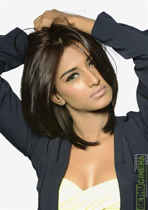 ninnindale movie heroine photos actress erica fernandes gallery gethu cinema