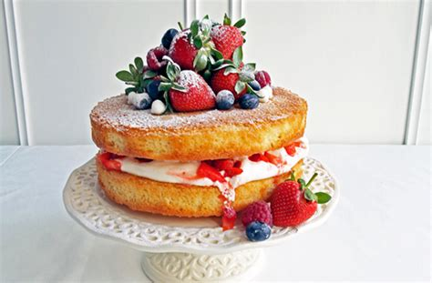 cake with berries and recipe goodtoknow