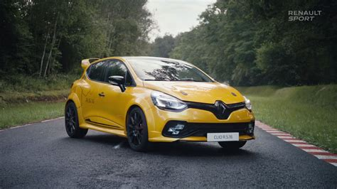 renault clio 2017 2017 renault clio rs16 teased ahead of 2016 paris motor
