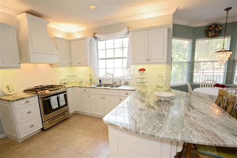 kitchen remodeling gainesville fl this is a remodeled kitchen hci did in gainesville fl the kitchen features white cabinets with