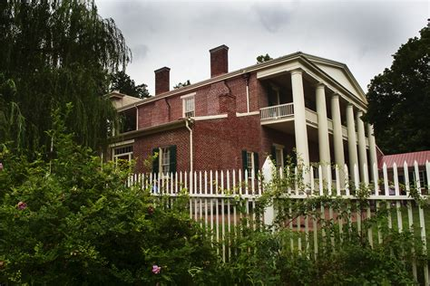 give financial support to andrew jackson s hermitage