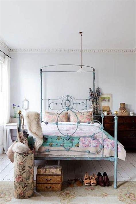 eclectic bedroom decorating ideas  women decorating