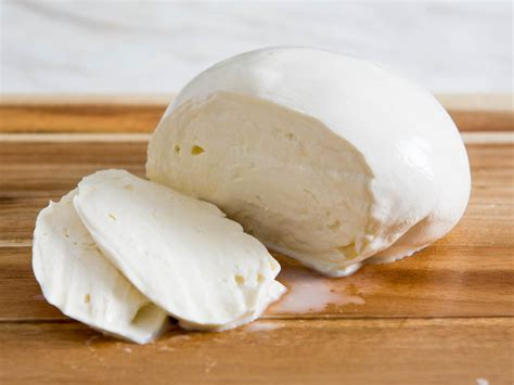 best mozzarella cheese how to make fresh mozzarella from scratch serious eats