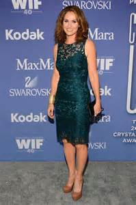 women in film s 2013 crystal lucy awards arrivals chin length amy brenneman women in film 2013 crystal lucy awards 02