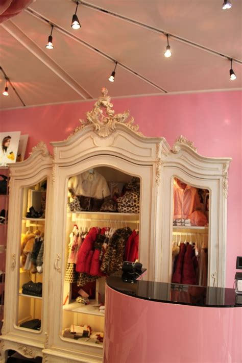 children clothing store furniture kids clothing display best 25 clothing store displays ideas on pinterest