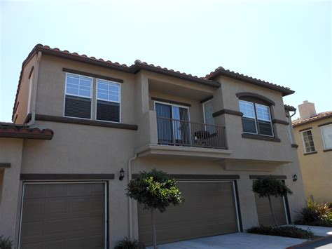 rented 1650 two story spacious townhome with one car