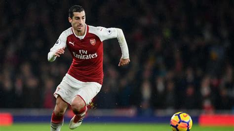 arsenal pes 2018 win a copy of pes 2018 signed by henrikh mkhitaryan