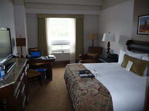 guest room picture of the fairmont banff springs banff