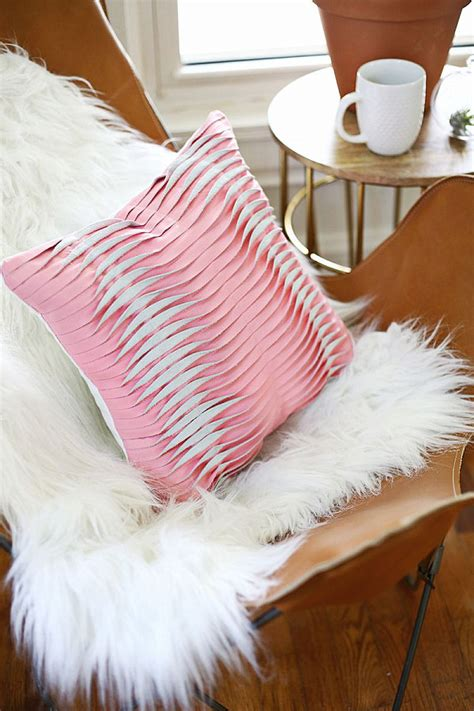 Pillow Diy by Diy Throw Pillows Ideas Inspirations And Projects