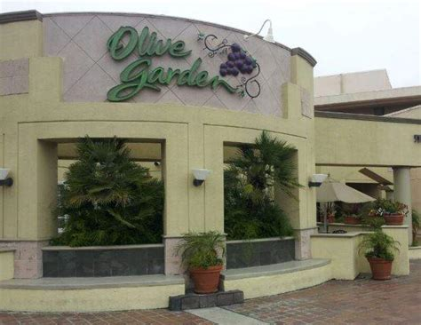 new santa olive garden is leaving the mainplace mall