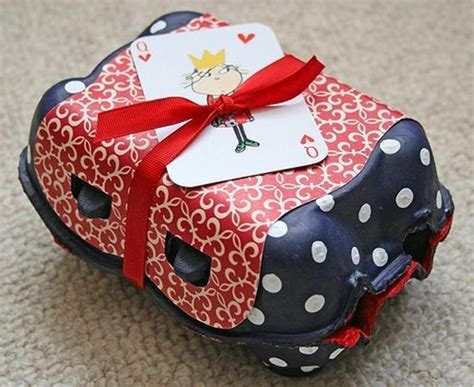 Handmade Recycled Gifts - 20 ideas for wrapping gifts presents decorations