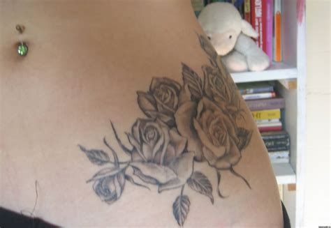 girl roses tattoos 57 mind blowing hip tattoos
