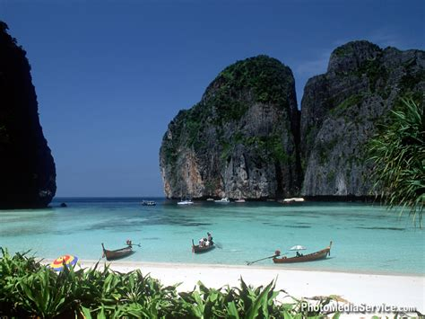 travel  tourism  attractive thailand beaches