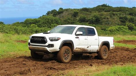 Toyota Midsize Trucks by Midsize Or Size Which Is Best