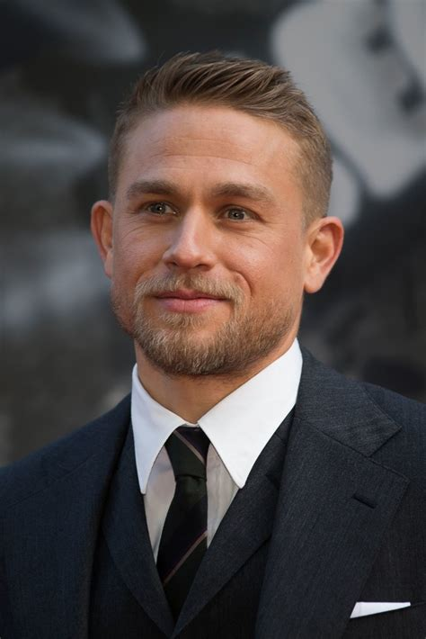 how to get thecharlie hunnam haircut charlie hunnam zimbio