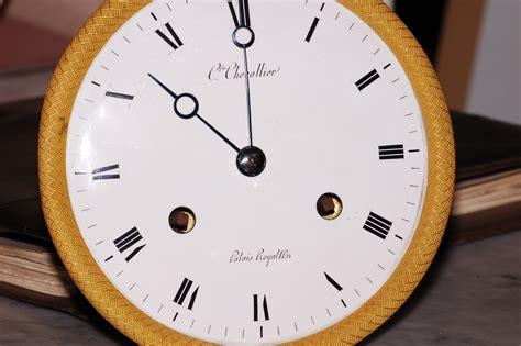 orologi da tavolo francesi restauro orologio francese da tavolo orologeria mori gino