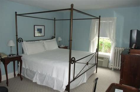 roberts house inn room 209 picture of the roberts collection roberts house inn nantucket tripadvisor