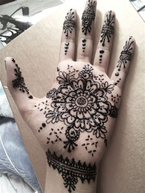 tattoo on hand round 10 round mehndi designs you should definitely try mehndi