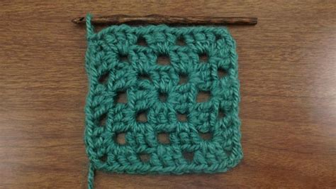 pattern for simple granny squares crochet traditional granny square crochet stitch new stitch