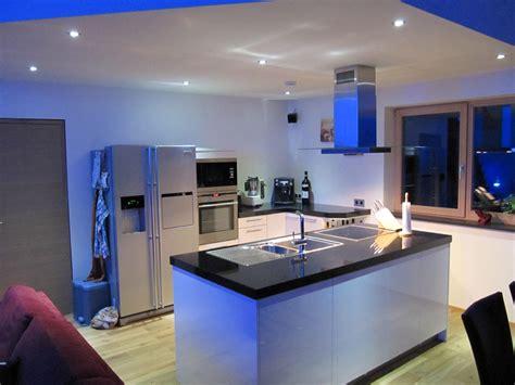 custom küche insel ideen tapete beton wohnzimmer