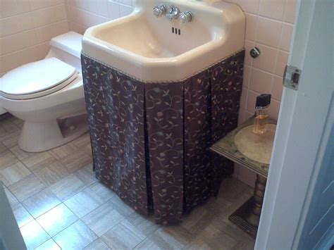 sink skirt  box pleats