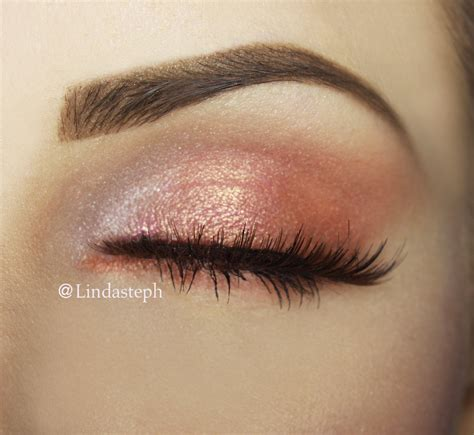 Make Up Eyeshadow steps to achieving this simple sweet make up look