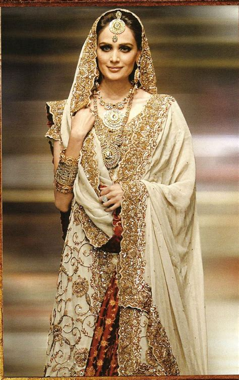 Indian Wedding Concept by Indian Wedding Dresses Gold Photos Hd Wedding Concepts