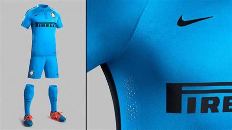 Kaos Kaki Calci Empire Soccer inter milan pamerkan jersey ketiga musim ini bola
