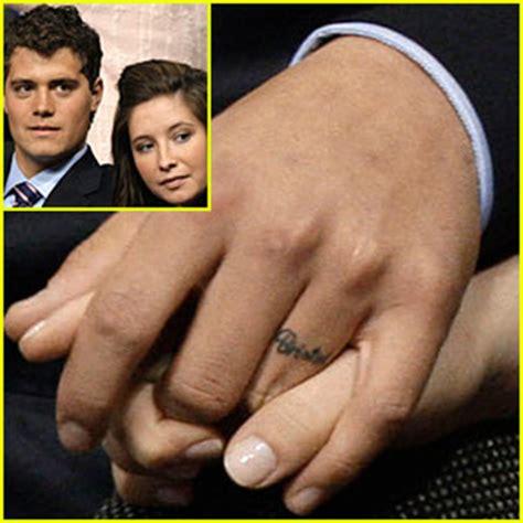 finger tattoo californication levi johnston has finger tattoo of bristol bristol