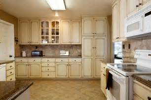 Cream Cabinet Kitchens by Pin Are The Cabinets Cream And Is The Trim White On Pinterest