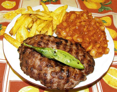 cuisine serbe recette pljeskavica le burger 233 pic 233 fa 231 on serbe