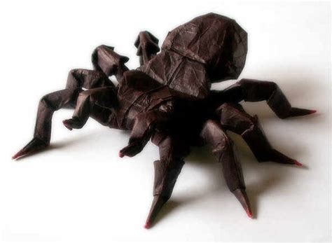 Origami Tarantula - 35 amazing exles of origami artworks