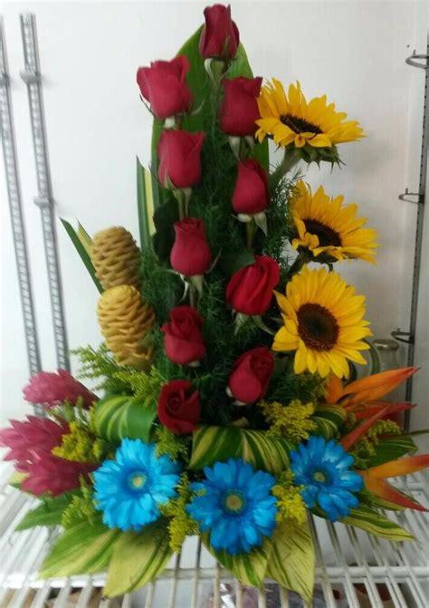 arreglos florales de azucenas floreras tu jardn flores naturales al mayor arreglos florales azucena ca