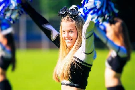 gorgeous cheerleader hairstyles  young girls