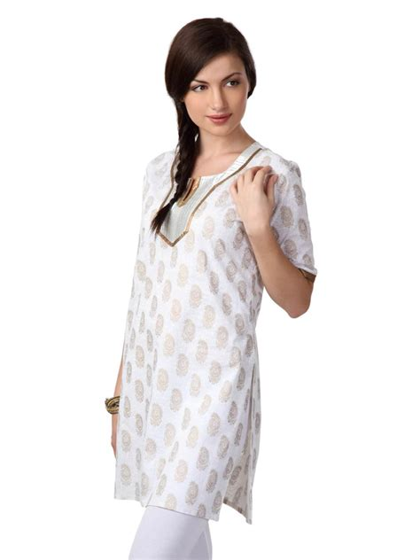 dress design in white colour pakistani fashion casual dresses collection in white color