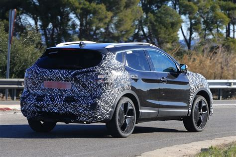 qashqai nissan 2018 2018 nissan qashqai facelift spied for the first time has