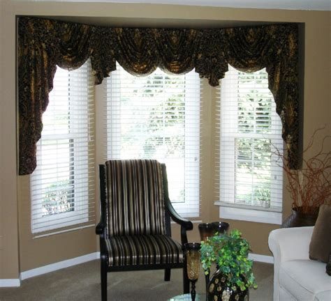 Swag Valances For Windows Designs with Swags And Jabots In A Bay Window 187 Susan S Designs