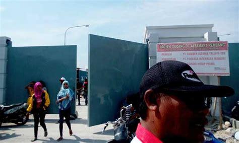 Gembok Di Alfamart tuntutan dipenuhi warga buka segel gudang dc alfamart