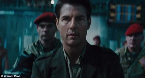 film tom cruise alien new trailer for edge of tomorrow features tom cruise