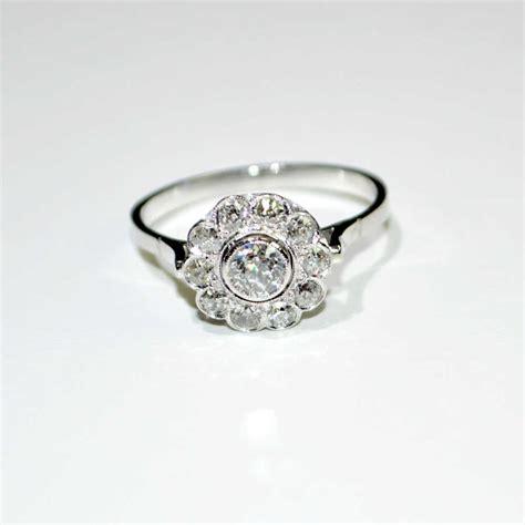 anello a fiore con diamanti anello a fiore in oro bianco 18 kt con diamanti euroxoro