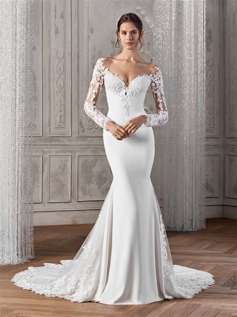 Simple Classic Wedding Dress Designers